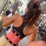 """<span class=""""title"""">たまに… お尻以外のトレーニングするの? って聞かれるんだけど 一応、やってる☹️🙁😕 . まだ全然小さいけど 背中もやってる🤟🏽 #backday #背中 #workout #bodymake #ジム #gym .. by @beauty_bottock.22</span>"""