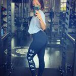 """<span class=""""title"""">. 昔からコンプレックスだった尻  今はこのデカ尻が武器🍑  人生何が起こるか  わからない🤎  #コンプレックス #逆転 #SAFARI #レギンス女子 #fitness #workout #腹筋女子 #デカ尻 #桃尻 #hip #training #fit ..</span>"""