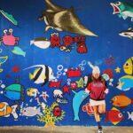 """<span class=""""title"""">お魚天国🐠🐡🐙🐬🦀 . . . #沖縄 #沖縄life #宮古島 #ウォールアート #魚たち #服が同化 #前歯出して #笑っておる #撮られ慣れない女 #ちなみに #雨と強風で #秒でこなして退散した #次はほんとの海に #入水希望 #okinawagram #gop ..</span>"""