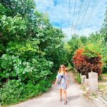 "<span class=""title"">. 小浜島🏝  真っ直ぐなサトウキビ畑🎋を走ると🚲💨 素敵な小道を発見👀🌿✨  近くには小ちゃなカフェ☕️もあって のんびりした島時間😌🌴🌺💕  #genic_okinawa #genic_beach #kohamajima #kohamaisland #greench ..</span>"