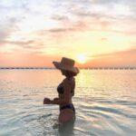 "<span class=""title"">ここのビーチお気に入りすぎる ずーっといれる✨🧡 . #sunset #beach #ssstrip #alexiastam #genic_beach #okinawajapan #okinawatrip #arahabeach #sunset_pics ..</span>"