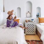 "<span class=""title"">🕌  @riadlamp  お部屋は3パターン🛏 ツインルーム、ダブルルーム、クイーンルーム  私らはツインルームに宿泊🚪  見ての通り お部屋の中、全てがお可愛い💕  ホテル内の雑貨や家具のほとんどが made in Morocco 🇲🇦  お気に入りのお洋服たちを ク ..</span>"