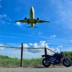 "<span class=""title"">台風前の宮古空港 風向きで着陸する場所が変わるので楽しみ。  #宮古島  #沖縄 #宮古空港 #loves_okinawa #motorcycle #motorcyclescape #motorcycle_moment #becausemotorcycle  ..</span>"
