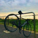 "<span class=""title"">雨が降り始める前にいそいそと . 江戸川の朝練🚴♀️は涼しくて気持ち良く走れるよ . 朝早いとガチ勢の人多い💦 . #江戸川サイクリングロード #ロードバイクのある風景 #ロードバイクのある生活 #ロードバイクのある暮らし #ロードバイクのある景色 #スペシ ..</span>"