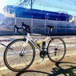 """<span class=""""title"""">3日連続ライドの締めは鉄分補給! 尾久に行って、機関車見てきました。 だいぶマニアックな1日でありました💦 @seijinakano_pix さんありがとうございました。  #khodaabloom #荒川サイクリングロード #dotou .. #ロードバイクJP</span>"""