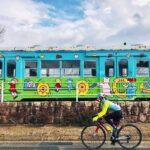 """<span class=""""title"""">* POPな電車にキュン♡ いくつになっても女子ですから  かつて西脇市と多可町を繋いでいたJR鍛冶屋線。 廃線から30年経った今は遊歩道として生まれ変わり、自転車も全線通行可能なのだそう。 このカラフルでポップな車両もその廃線跡に展示されています。 .. #ロードバイクJP</span>"""