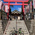 """<span class=""""title"""">#ロードバイクと神社 647  あま市篠田稲荷の葛の葉稲荷神社⛩  「信太」と書いて「しのだ」と読む。 地名の読み方が同じことから和泉の国、信太にある 葛の葉稲荷を勧請したと伝えられている。  過去pic20/12/16  …………………… .. #ロードバイクJP</span>"""