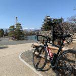 """<span class=""""title"""">2月とは思えない程暖かく、最後のライドができました😆 お城も🏯山も🏔空も綺麗✨✨  #ロードバイク #ロードバイクのある風景 #ロードバイク初心者 #ロードバイク男子 #roadbike_jp #ロードバイクのある生活 #ロードバイク好き .. #ロードバイクJP</span>"""