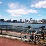 """<span class=""""title"""">青い海と空と自転車🚲️  #東京タワー 🗼 #東京湾岸 #豊洲ぐるり公園 #ロードバイク #クロモリ #クロモリロード #パナモリ #ホリゾンタル #ホリゾンタルフレーム #ロードバイクのある風景 #自転車のある風景 #stee .. #ロードバイクJP</span>"""