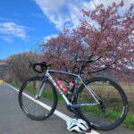 """<span class=""""title"""">🌸⛰ そろそろ花🌸が咲き始めてお花見ライドの季節ですね🚴♂️  📯次回の『たかしおサイクリングツアー』は3/28(日)開催予定でスケジュール調整しております。(ほぼ確定)  日曜日なので参加しやすいかと思います!当日バイクロア土浦というイベント霞ヶ浦 .. #ロードバイクJP</span>"""