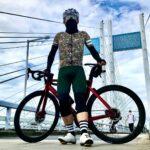 """<span class=""""title"""">. おろし立てのCafe du Cyclisteのジャージを着て、約10日ぶりの実走。  雨で走れない中、何度もレースを見返した東京オリンピックの🚴♀️コースを是政橋から少しだけ走ってみましたが、久しぶり過ぎて登り坂でゼェゼェして、まったく登れずに .. #ロードバイクJP</span>"""