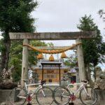 """<span class=""""title"""">#ロードバイクと神社 953  川越町豊田の郷社 八十積椋神社⛩  豊田の地名は古くから伊勢神宮との由縁があり、 祭神の豊受気姫命への田園があったかららしい。  式内社である。 社殿は2021年に新築された。  過去pic21/5/28  …………… .. #ロードバイクJP</span>"""