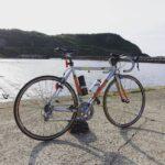 """<span class=""""title"""">本日の朝活は門前漁港 波は穏やかにキラキラしててなかなかによき朝 手前の塩瀬埼は工事中で、しばらく自転車で行くのはちょっと無理そうな状況  朝、スタート時点ではちょい寒ですが、ペースあげればすぐに体温あがってくる。 日が昇ってきてもジリジリするほでもな .. #ロードバイクJP</span>"""